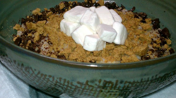 Slow Cooker Vegan S'mores Oatmeal
