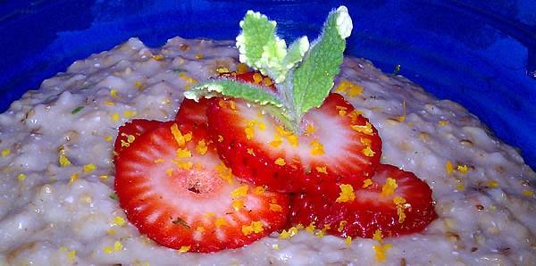 Slow Cooker Strawberry Orange Mint Oatmeal