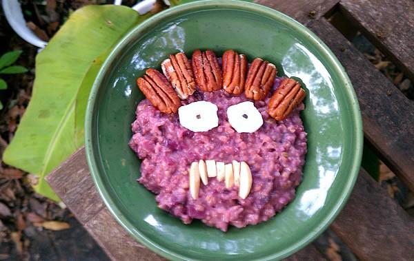 13 Easy Slow Cooker Oatmeals - Happy Almost Halloween!