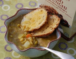 Slow Cooker Farro and Veggies Split Pea Soup