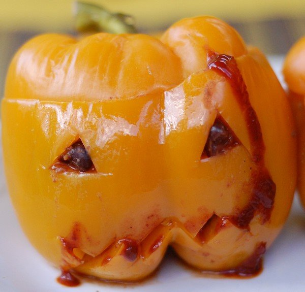 Super-Scary Spicy Chili Stuffed Jack-O-Peppers
