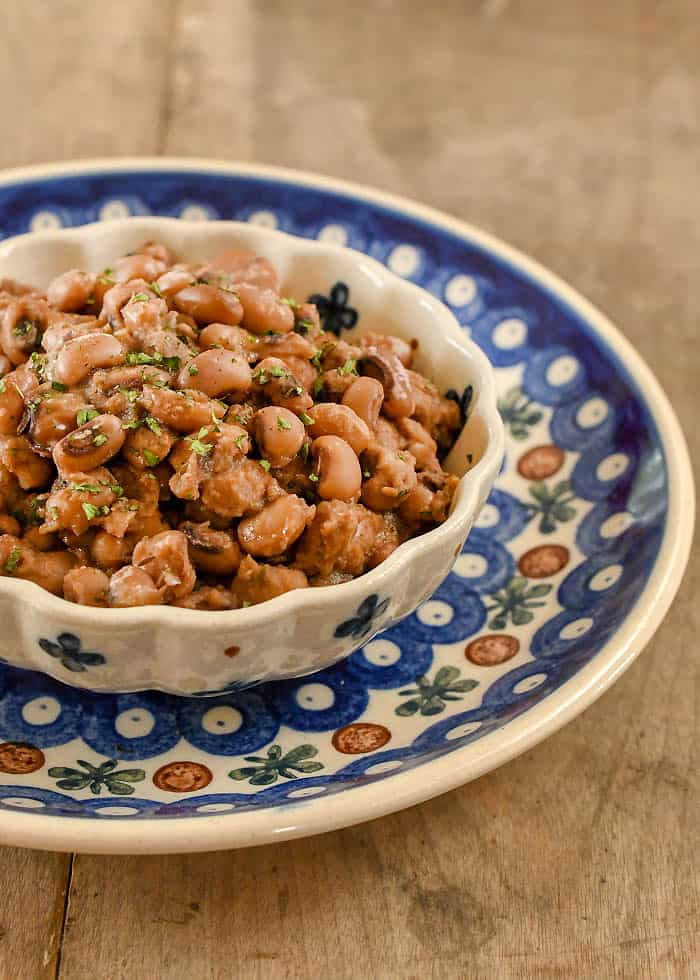 I Posted A Recipe For Instant Pot Creamy Black Eyed Peas And Wanted To Give You Slow Cooker Too It S Been Pea Week Here On Hsc