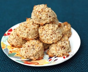 Maple Coconut Macaroons featuring Quinoa Flour!
