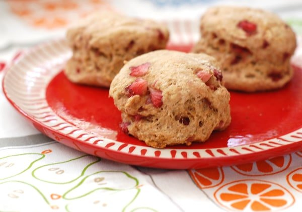 Strawberry Spelt Biscuits for Breakfast in Bed-Fest