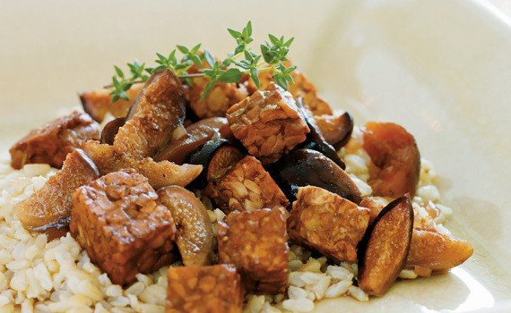 braised-tempeh-figs-the-vegan-slowcooker-feature