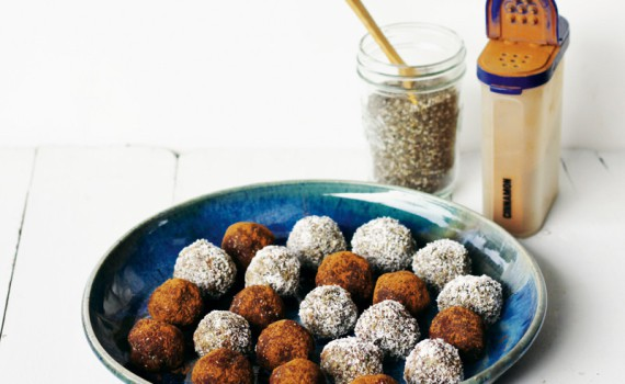 Green Earth Orbs make a great holiday food gift. Recipe from 100 Best Juices, Smoothies and Healthy Snacks bu Emily von Euw| HealthySlowCooking.com