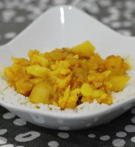 Slow Cooker Potato Cauliflower Curry (Aloo Gobi) Recipe