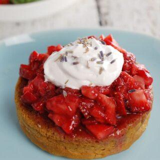 Lavender Gin Strawberry Shortcake | HealthySlowCooking.com