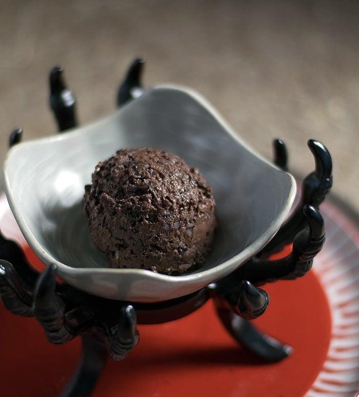 Halloween Dessert Decorations: Vegan Halloween Dessert: Gruesome Forbidden Rice Mousse