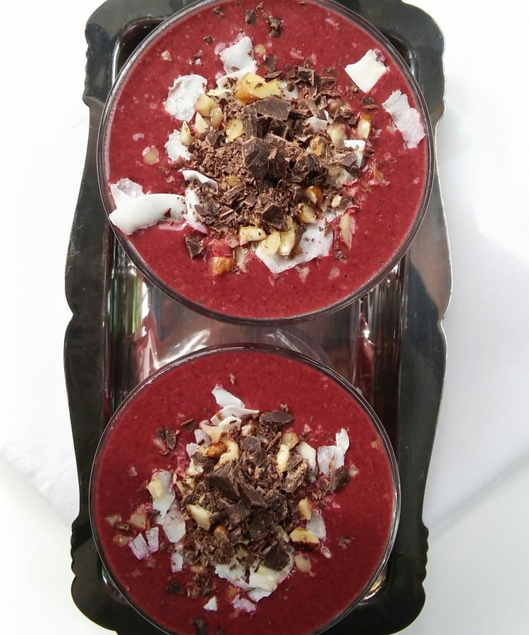 Red Velvet Cake Smoothie from twocityvegans.com