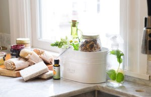 Make Your Home Smell Fresh With Your Own DIY Cleaning Products