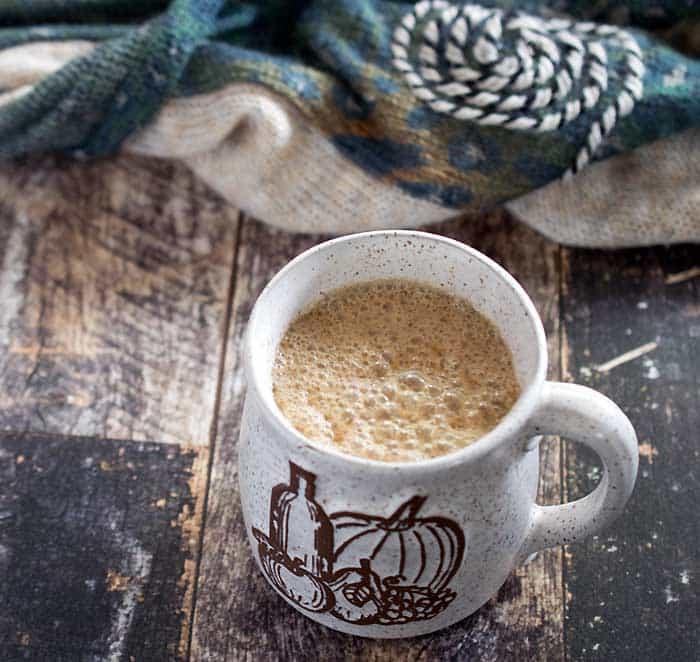 Slow Cooker vegan maple pumpkin latte - perfect for fall!